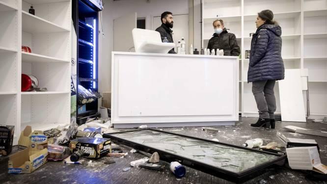 IN BEELD. The day after in Nederland: zo zwaar gingen de relschoppers tekeer