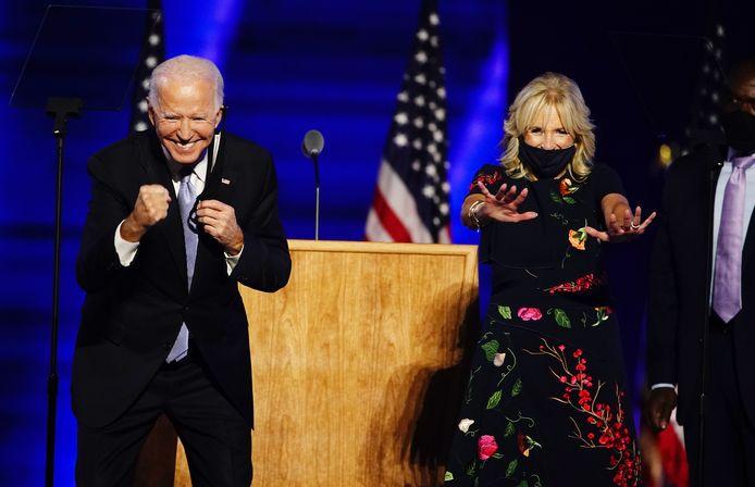 Joe Biden en zijn vrouw Jill na afloop van de speech.