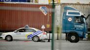 """Zestien mensen levend uit container van veerboot gehaald: """"Ze kwamen uit België"""""""