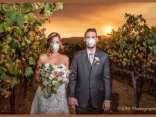 Grimmige bruidsfoto in brandend Californië gaat viral: 'Mijn vrouw dacht dat het smakeloos was'