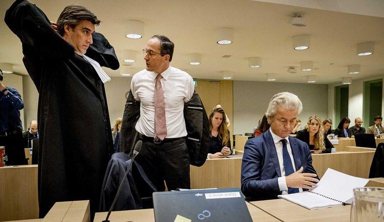 Met Geert-Jan Knoops, de beste advocaat van het land. Beeld ANP
