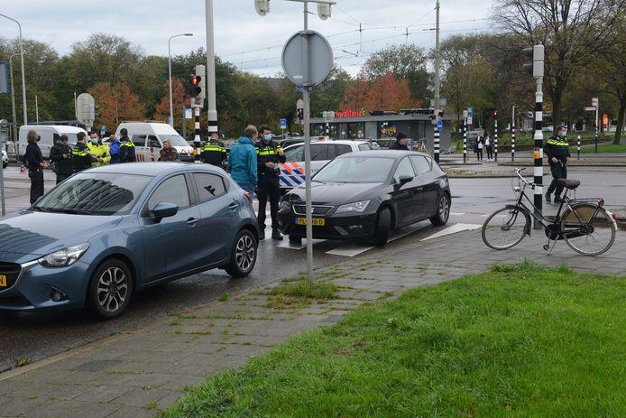 Het ongeluk is gebeurd op de kruising van de Laan van Meerdervoort en de Thorbeckelaan.