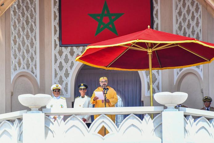 Aboutaleb nam in 2007 een lintje aan van de Marokkaanse koning, maar een middelvinger was meer op zijn plaats geweest volgens columnist Asis Aynan.