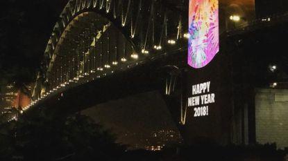 """Sydney blundert met nieuwjaarswensen op groot scherm: """"Gelukkig nieuwjaar 2018!"""""""