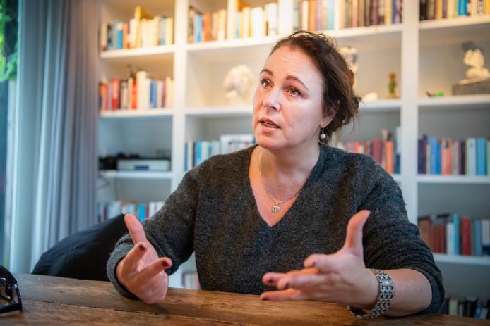 Judith Wermenbol uit Apeldoorn maakt zich grote zorgen over de aangekondigde bezuinigingen op jeugdzorg in Apeldoorn. Ze slaakt een hartenkreet.
