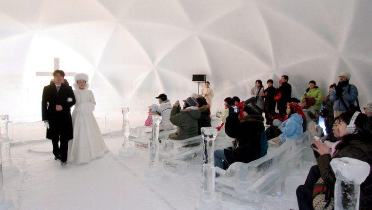 Eindhovense studenten bouwen grootste ijskoepel ter wereld