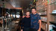 """VIDEO. Dirk Lauwers stopt met café Marengo, maar barman Stijn Deweerdt (28) neemt de teugels over: """"De vaste klanten kunnen op hun twee oren slapen want er verandert zo goed als niets"""""""