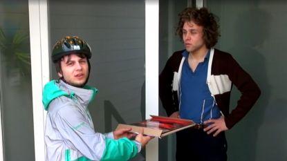 VIDEO. Compact Disk Dummies bezorgen nieuw album met de fiets aan huis