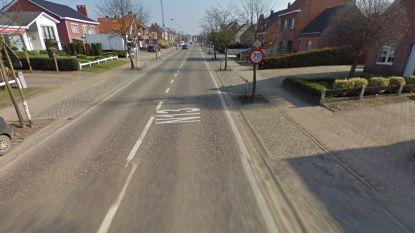 Versleten fietspaden van stuk Bouwelsesteenweg worden vernieuwd