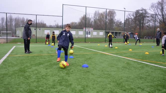 """Oud-jeugdtrainers Sporting Lokeren richten samen Voetbalacademie 282 op: """"Technische vaardigheden van jonge spelertjes aanscherpen"""""""