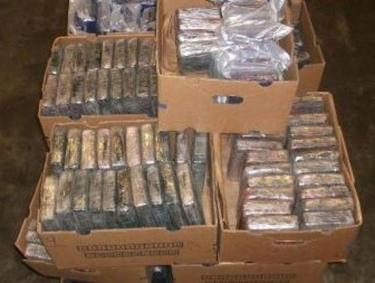 750 kg cocaïne werd met succes uit een container gehaald.