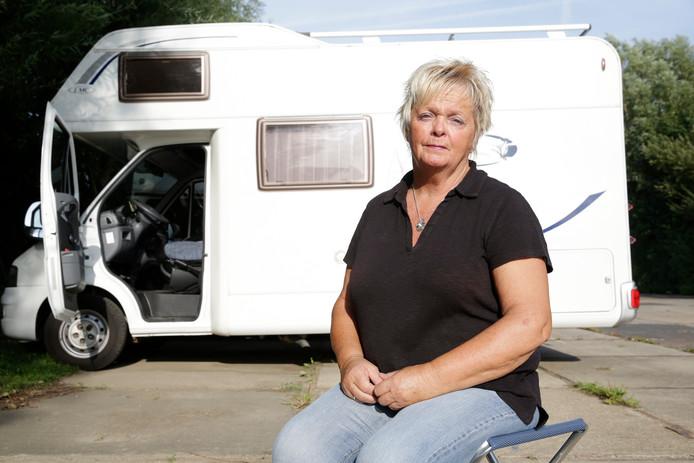 Marja bij haar camper