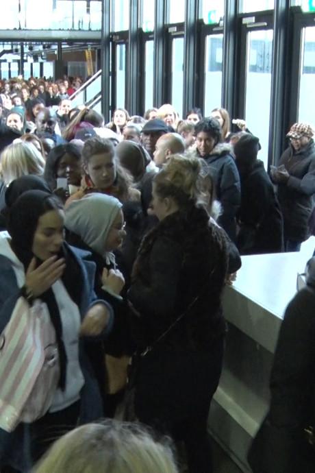 Totale gekte bij fabrieksverkoop Hunkemöller in Ahoy: 'Ik heb speciaal hiervoor een dag vrij genomen'