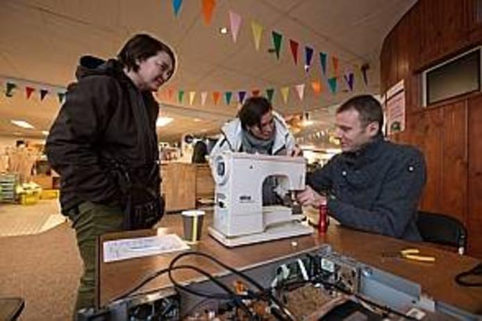 Het Repair Café Kampen begin in 2014 in de kringloopwinkel die toen nog aan de Trekvaart zat.