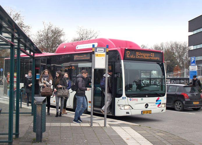 Busstation Scharenburg in Druten.