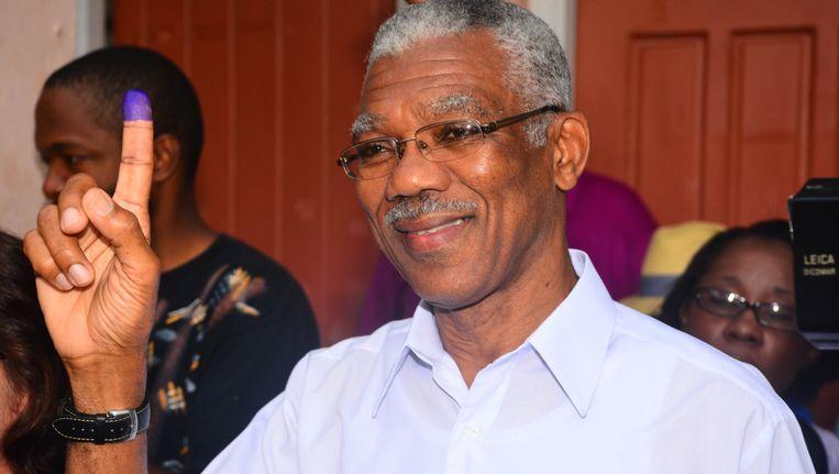 Presidentskandidaat David Granger na het uitbrengen van zijn stem. Beeld ap