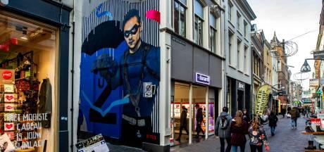 Deventer beveelt Netflix: voor 18 maart moet muurschildering weg