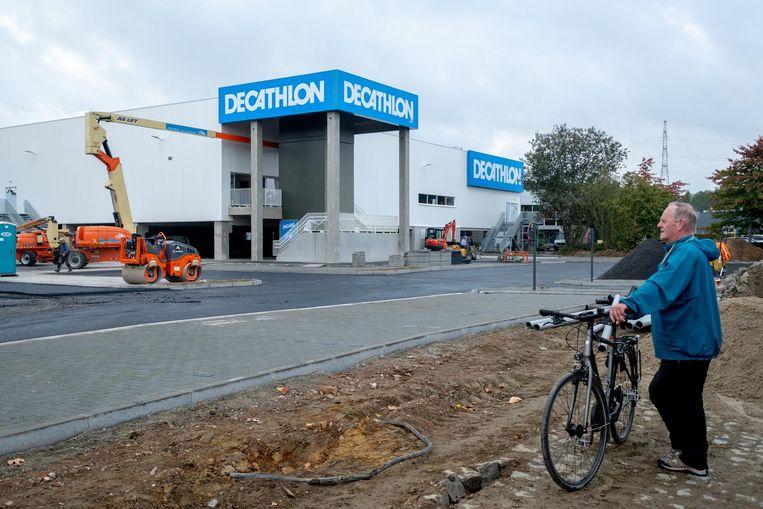 De Decathlon op de nieuwe winkelsite langs de Antwerpsesteenweg.