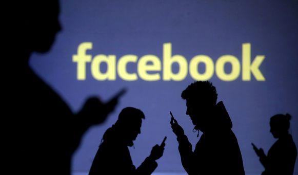 Ierland heeft een onderzoek geopend naar het veiligheidslek bij Facebook. Door dat lek konden bijna 50 miljoen accounts van Facebook-gebruikers worden overgenomen door hackers.