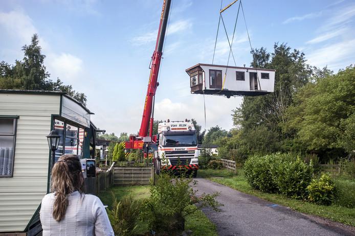 Honderden  caravans werden de afgelopen maanden op last van de gemeente Zundert  weggetakeld van de camping.