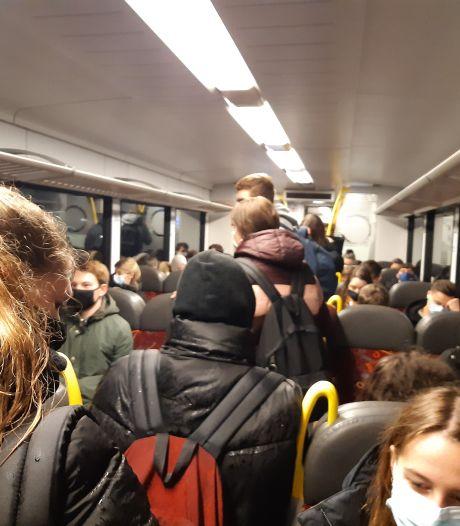 Proppen in Arriva-treinen tussen Boxmeer en Nijmegen: reizigers stomverbaasd, hoe kan dit?