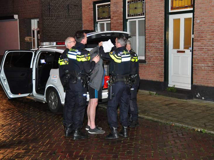 Man draait door en bedreigt huisgenoten met mes in Waalwijk