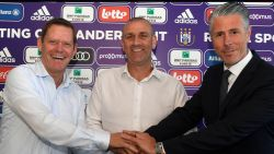 VIDEO. Tien supportersvragen aan nieuwbakken Anderlecht-coach Simon Davies