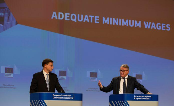 Les commissaires européens Valdis Dombrovskis et Nicolas Schmit