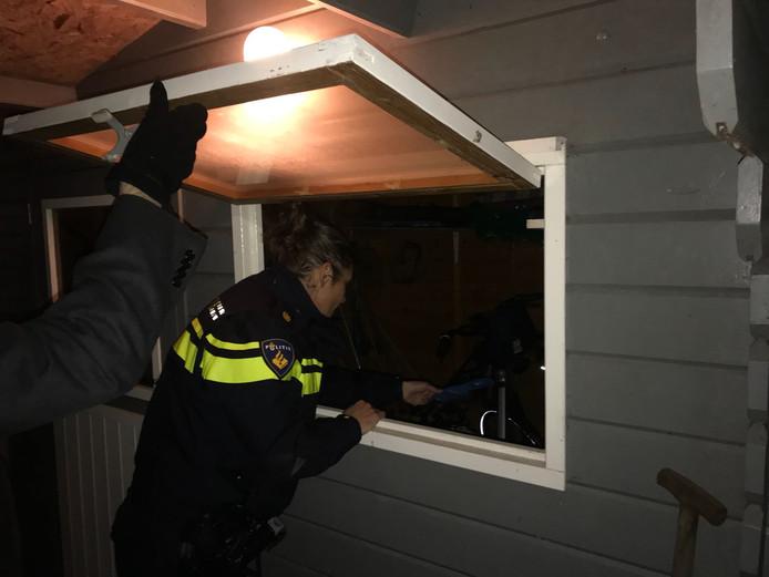 Wie met de feestdagen niet thuis is, doet er goed aan alle deuren en ramen goed af te sluiten.
