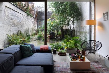 """Dit koppel verbouwde Antwerps rijhuis voor 120.000 euro: """"Onze 'terrazzo' vloer? Afgeschuurd beton"""""""