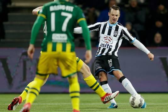 Jef Hardeveld vervangt Czyborra woensdagavond tegen Vitesse.