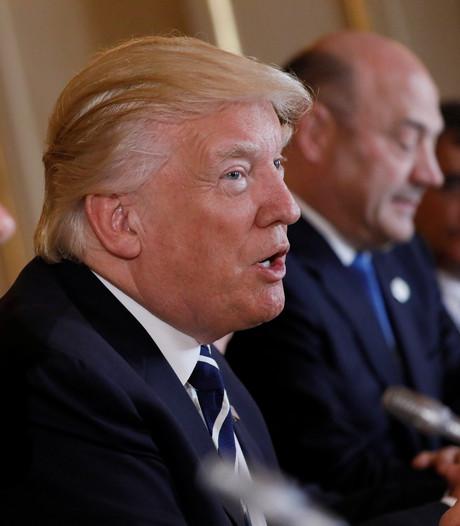 'Donald Trump huurt advocaat in door onderzoek Russische inmenging'