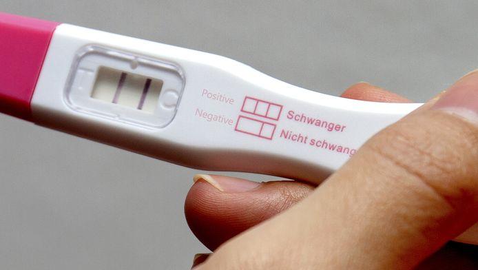 Op 35-jarige leeftijd wordt het moeilijker om zwanger te worden. Toch stellen steeds meer vrouwen hun kinderwens uit.