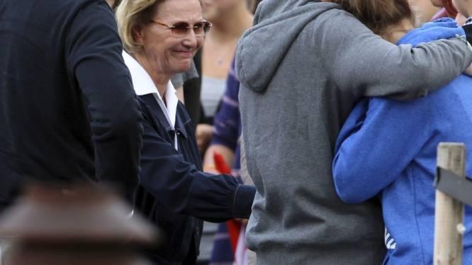 Noorse koninklijke familie brengt bezoek aan slachtoffers