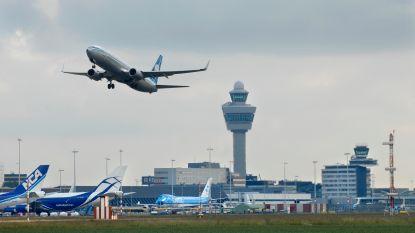"""""""Alles vliegt kriskras door elkaar boven Schiphol"""""""
