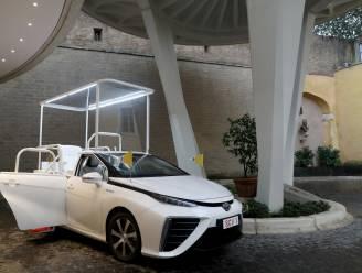Nieuwe Pausmobiel rijdt op waterstof