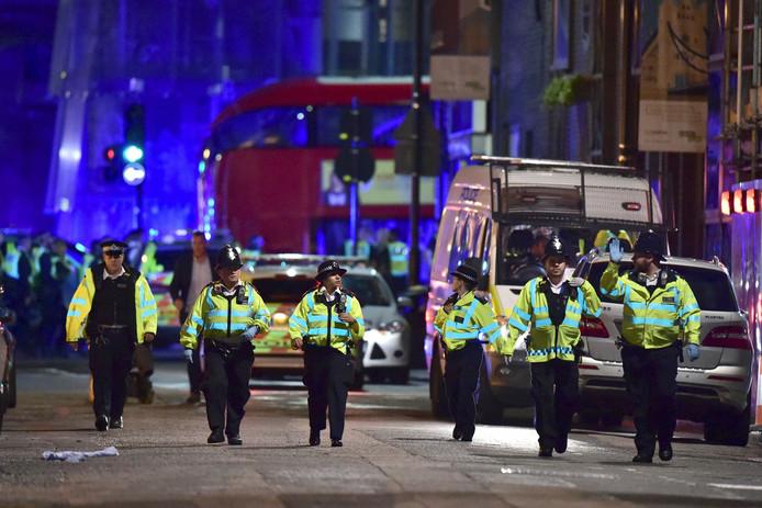 Politie in Londen na de aanslag bij London Bridge.