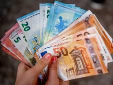 Aantal bijstandsuitkeringen in Rotterdam daalt hard