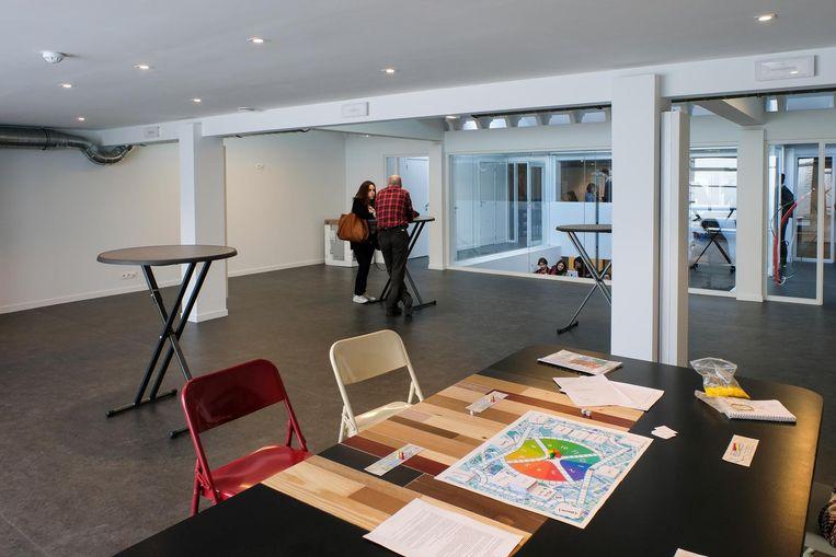 Het centrum beschikt over talrijke open ruimtes waarin iedereen kan samenkomen.