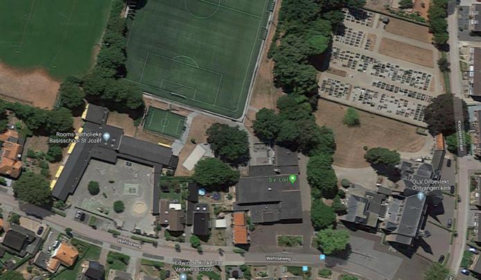 Satellietbeeld van Loil met van links naar rechts de St. Jozefschool, de accommodatie van sv Loil en De Zomp en geheel rechts de kerk met de pastorie.