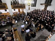 Twentse dienst 'Hellig op God' in kerk Hellendoorn