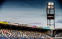 Het kon niet anders, maar het is wennen: half volle tribunes tijdens PEC Zwolle - Feyenoord
