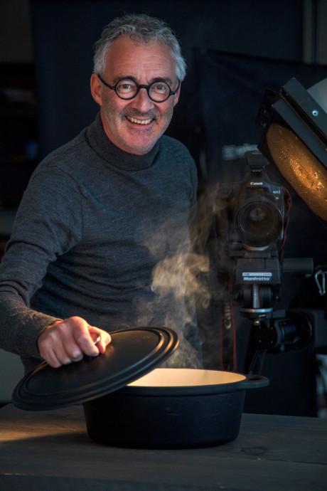 Chefs geven recepten prijs in Zeeuws-Vlaams kookboek van Mark Neelemans