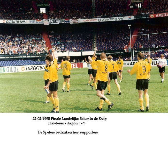 Landelijke bekerfinale voor amateurs in De Kuip: Halsteren - Argon. 25 mei 1995