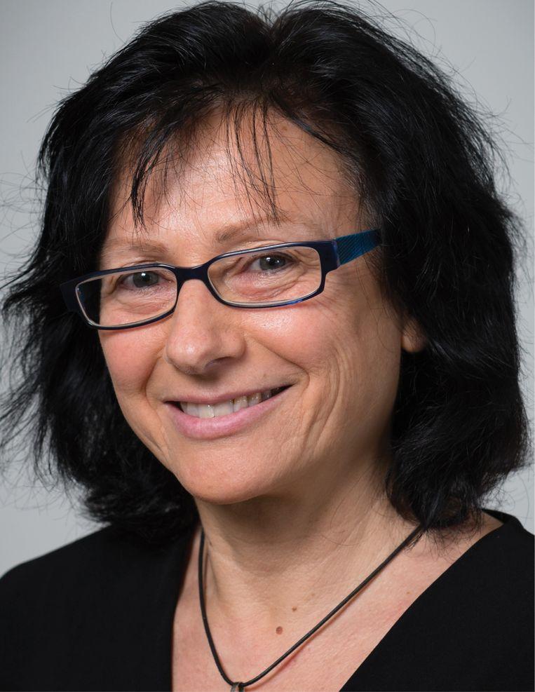 Marketingprof Maggie Geuens: 'Tijdens stresssituaties zien we het eetpatroon veranderen.' Beeld