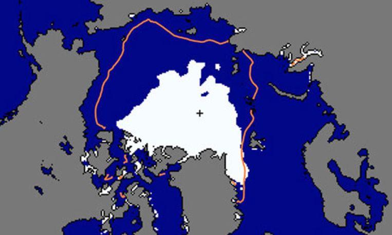 De lijn toont tot waar het ijs in de zomer nog kwam, gemiddeld in de periode 1979-2000