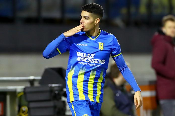 Anas Tahiri scoorde vanaf de middencirkel voor RKC Waalwijk II in het verloren duel met de reserves van FC Groningen.