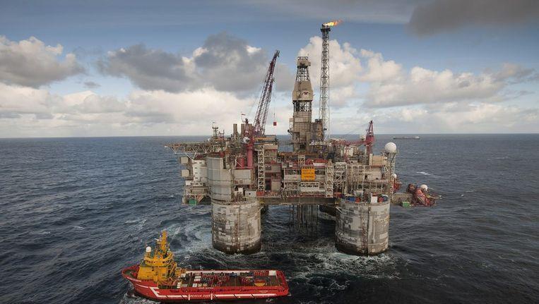 Boorplatform van het Oseberg-olieveld in de Noordzee. Noorwegen heeft zijn olie-inkomsten altijd opgepot. Het oliefonds heeft 117¿duizend euro per Noor in kas. Beeld epa