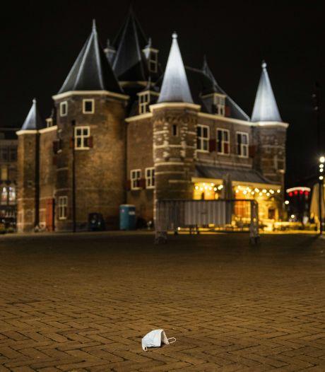 Amsterdamse raad keert zich tegen avondklok