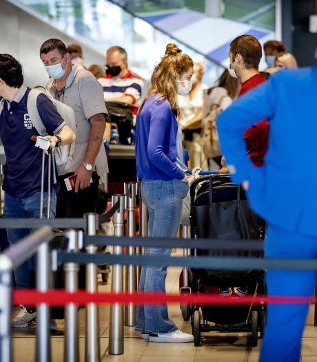 76 passagiers die naar Schiphol reisden bleken later besmet met corona